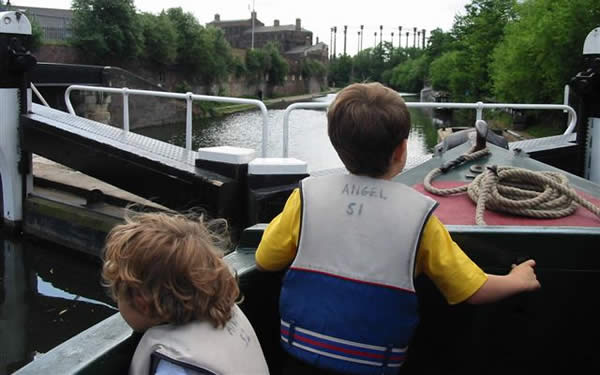 Children enjoying a day out on London's canal
