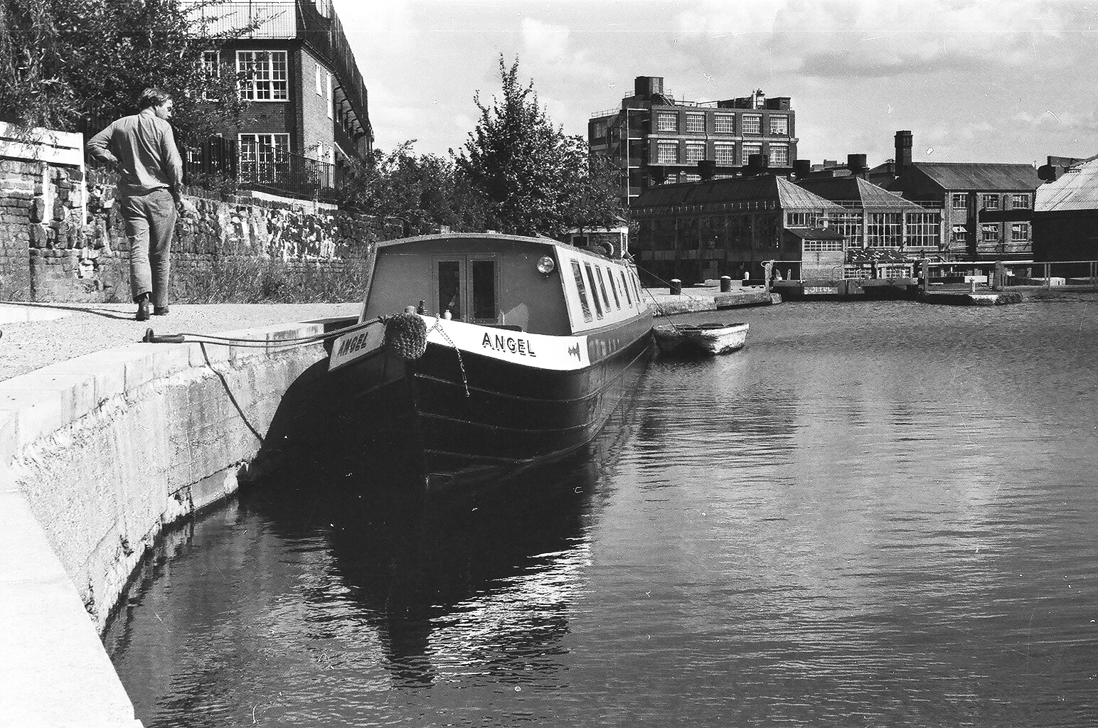 Angel I just arrived 1974 - City Road Lock